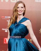 杰西卡查斯坦蓝裙美艳动人