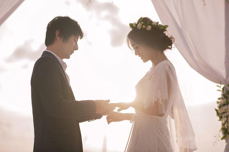 郑钧刘芸海岛补办婚礼 迟来的婚戒大有来头