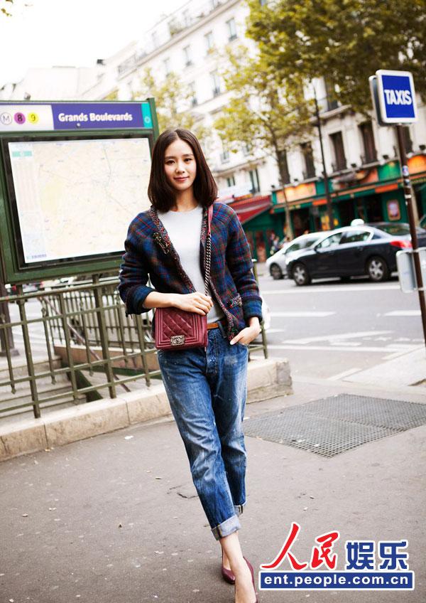 高清:刘诗诗巴黎浪漫写真 清新随性徜徉街头