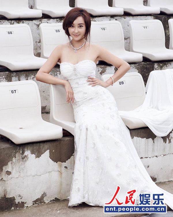 杜若溪冰雪女神写真 白裙优雅小露性感 Micro