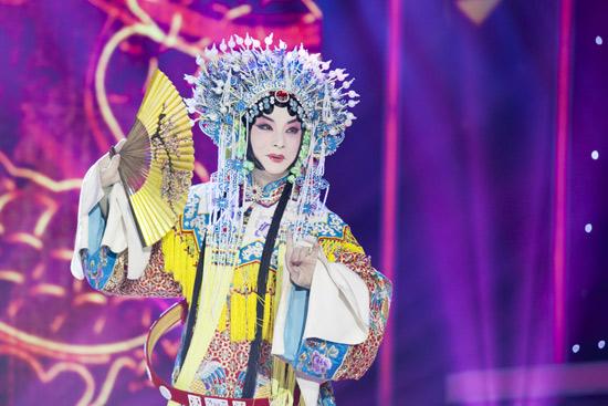 蒋大为鼓励杨洋鹿晗上春晚 众星助阵年度性能车型颁奖盛典