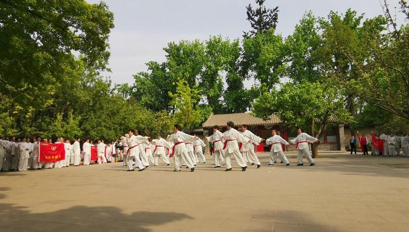 星辉注册:北京:市民体育活动丰富多彩 强身健体享受幸福生活