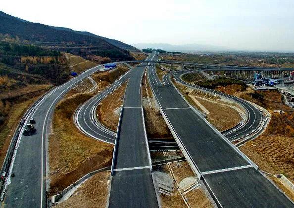这条服务冬奥会的智慧高速公路9月开始试运行
