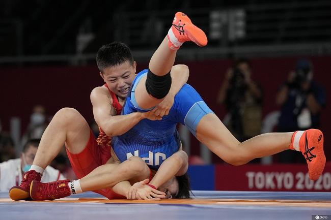 东京奥运会:庞倩玉获得摔跤女子自由式53公斤级银牌