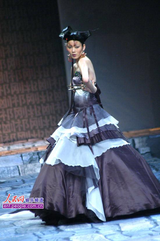 古风古韵唯美手绘女; 欧美阁楼女星; 图集:t台古韵华美风范 国际时装