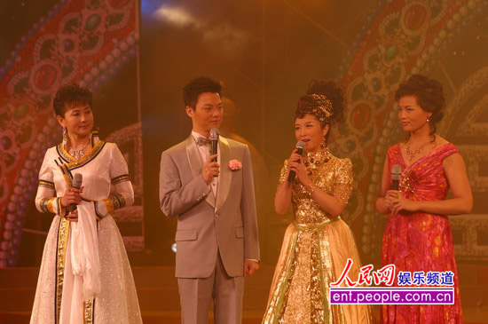 红旗歌手刘媛媛大型演唱会在呼和浩特举行图片