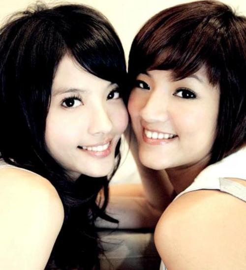 组图:台湾美少女组合YUMMY写真  娱乐