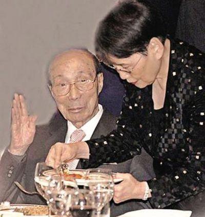 邵逸夫喝茶水闭口不提卖无线 碧桂园否认收购