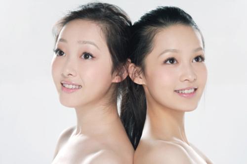 组图:新红楼黛钗素颜写真 蒋梦婕李沁青春逼人 (5)