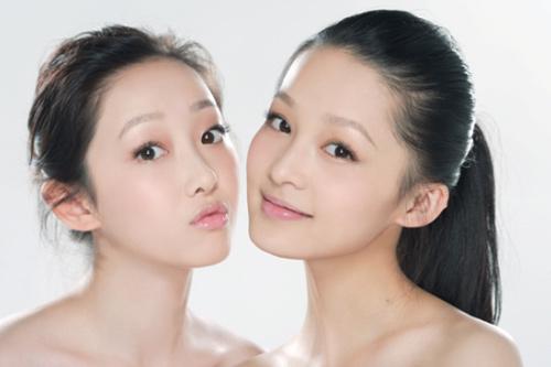 组图:新红楼黛钗素颜写真 蒋梦婕李沁青春逼人 (4)