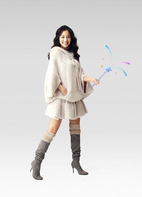 金泰熙代言显公主气质 长靴毛裙娇小甜美