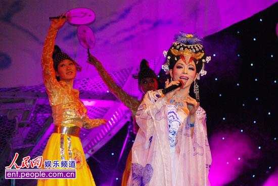 中国木偶剧院与湖南卫视携手推出 快乐大舞台>