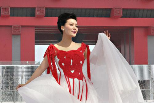 中国结元素服装设计图