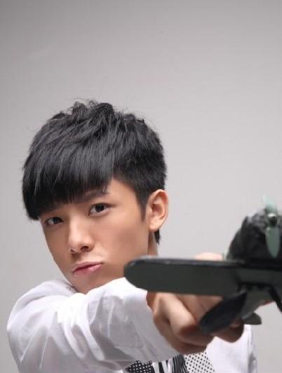吴俊余等快男们为《我的舞台》拍摄的最新写真照也新