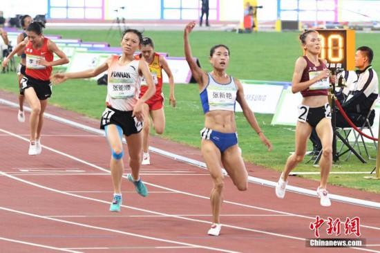 张新艳夺全运会女子5000米金牌