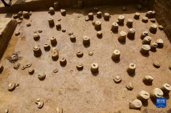 四川稻城皮洛遗址发现手斧、薄刃斧等